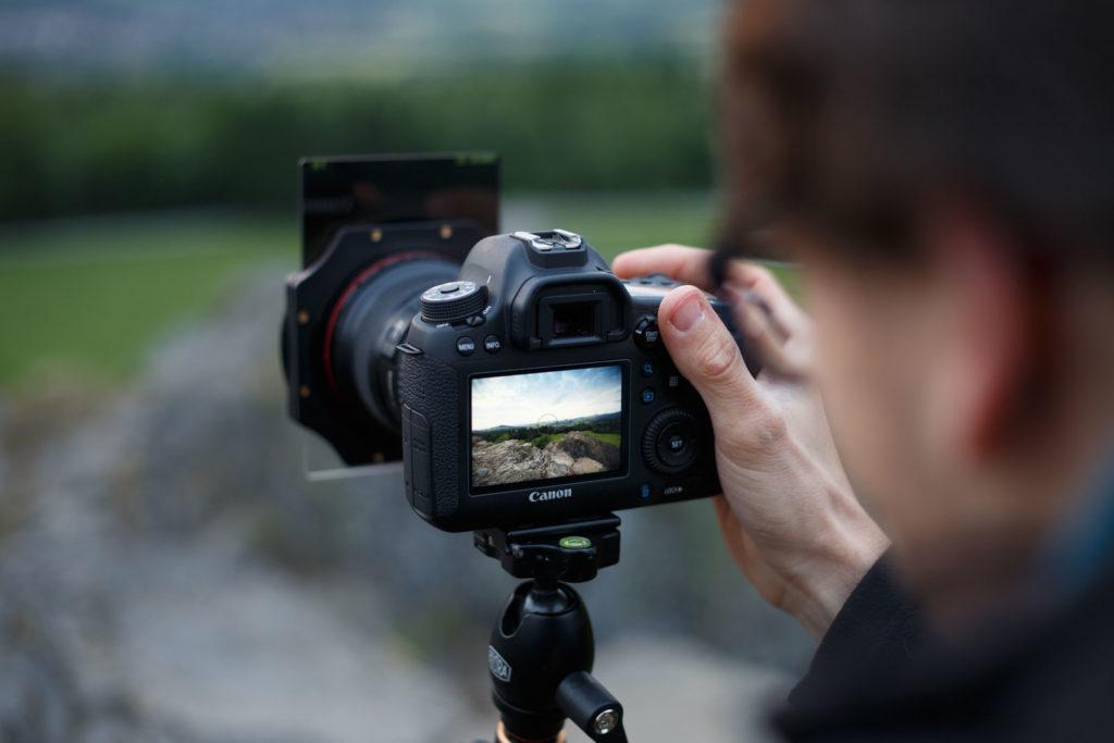 Fotoausrüstung Kamera Objektiv Stativ Filter
