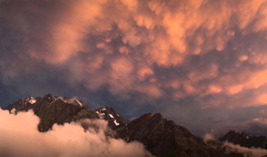 Sonnenuntergang Olperer Hütte Nebel
