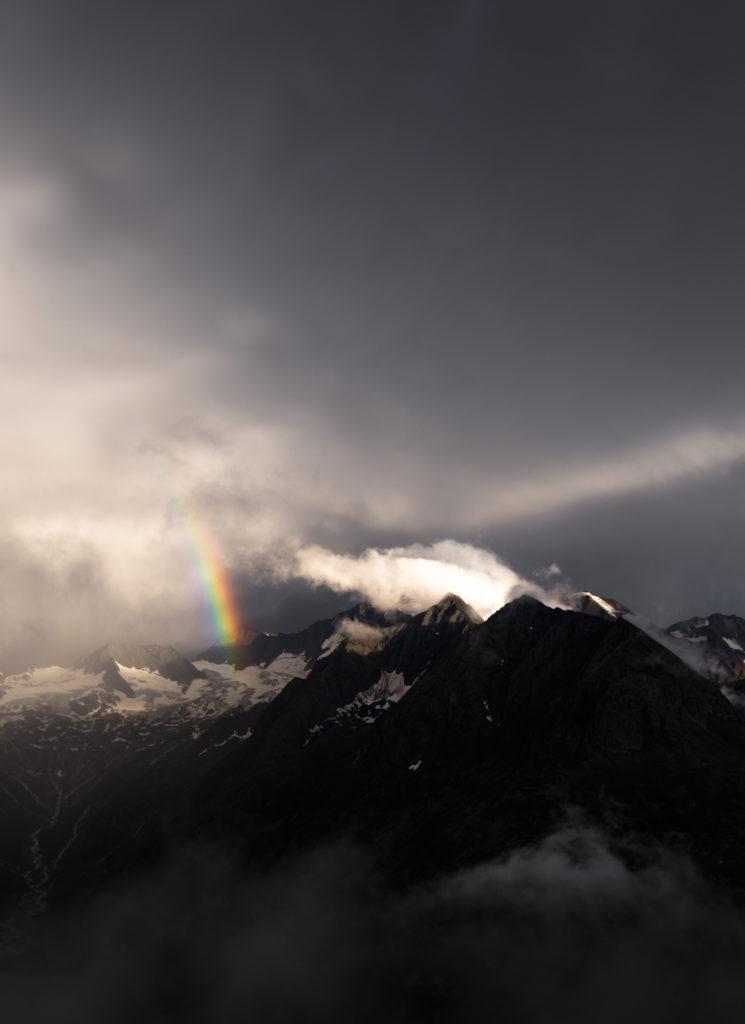Regenbogen Olperer Hütte Nebel
