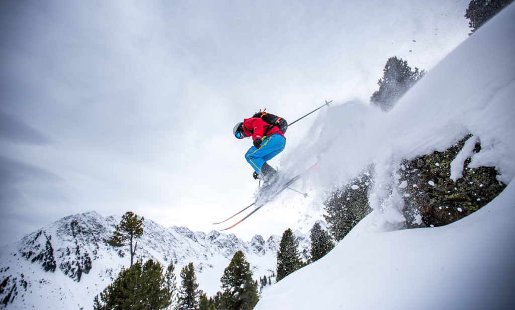 Powder Ski Sprung