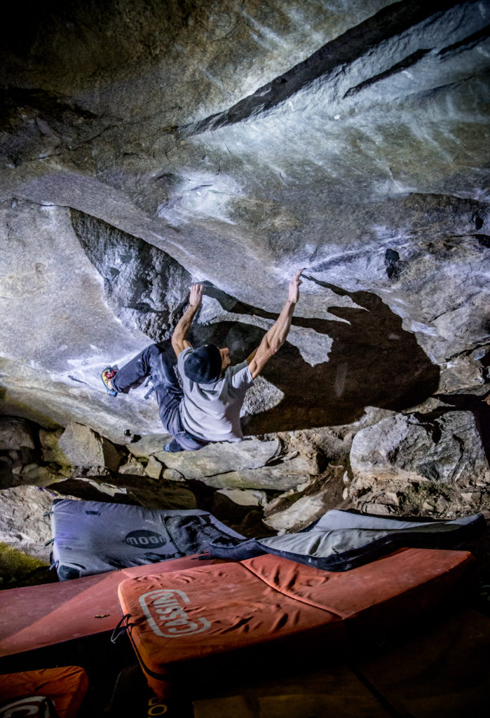 Samuel Story of two worlds Cresciano Bouldern